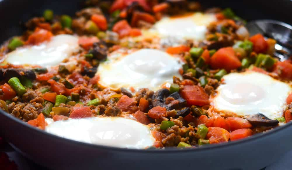side view of fully cooked shakshuka